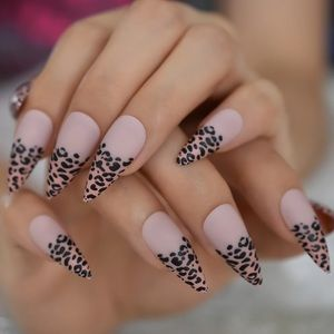 BNIB cheetah tip press on nails